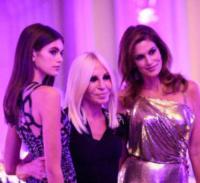 Kaia Gerber, Donatella Versace, Cindy Crawford - Milano - 23-09-2017 - Milano Fashion Week: Versace in passerella con le icone anni 90