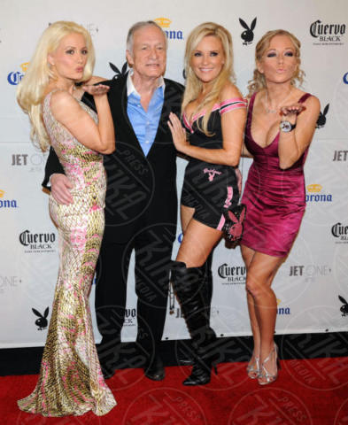 Bridget Marquardt, Holly Madison, Kendra Wilkinson, Hugh Hefner - Chandler - 02-02-2008 - Hugh Hefner, dall'esercito americano a Playboy