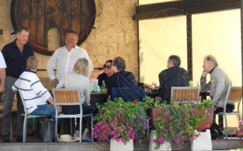 Christine Baranski, Colin Firth, Pierce Brosnan - Lissa - 01-10-2017 - Mamma Mia 2, sul set Pierce Brosnan e Colin Firth