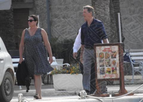 Keely Shaye Smith, Pierce Brosnan - Lissa - 01-10-2017 - Mamma Mia 2, sul set Pierce Brosnan e Colin Firth