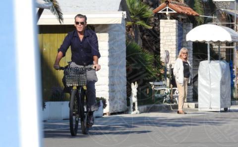 Pierce Brosnan - Lissa - 01-10-2017 - Mamma Mia 2, sul set Pierce Brosnan e Colin Firth