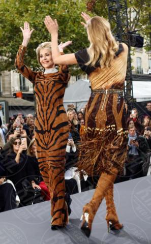 Jane Fonda, Naomi Campbell - Parigi - 01-10-2017 - PFW: Irina Shayk-Jane Fonda, sfilano tutte per L'Oreal