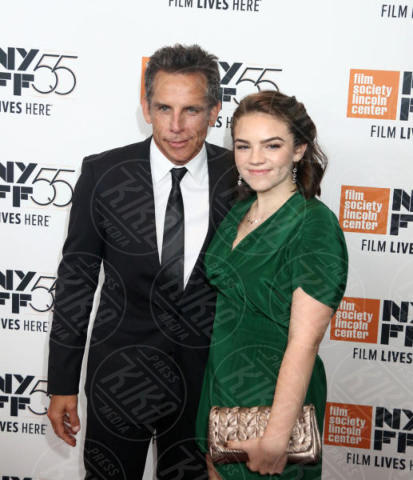 Christine Taylor, Ben Stiller - New York - 01-10-2017 - The Meyerowitz Stories, Dustin Hoffman s'improvvisa fotografo