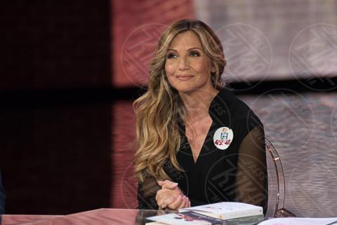 Lorella Cuccarini - Milano - 02-10-2017 - Oggi è uno degli attori più belli dello showbiz: lo riconosci?
