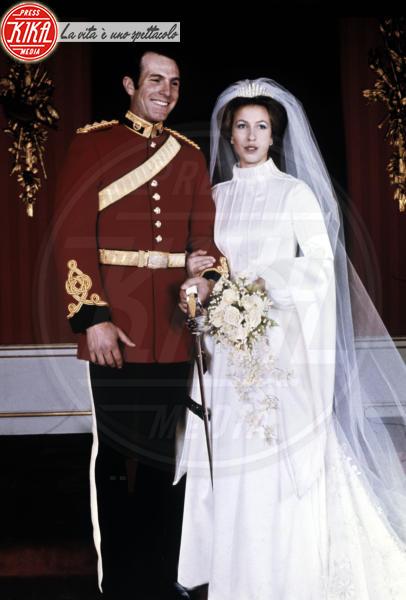 Mark Phillips, Principessa Anna d'Inghilterra - Londra - 25-10-1973 - Da Kate a Lady D, gli abiti da sposa Windsor più belli