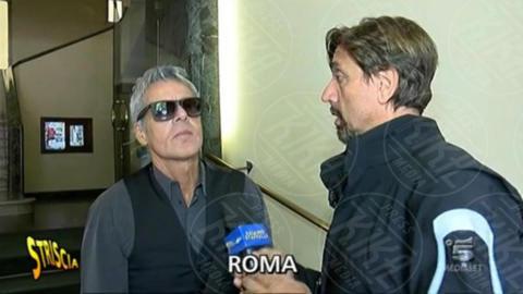Claudio Baglioni, Valerio Staffelli - Baglioni, il Tapiro di Striscia per il compenso di Sanremo