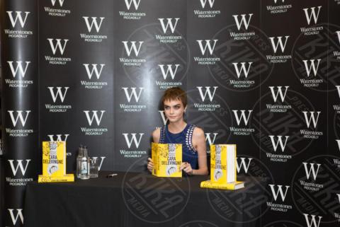 Cara Delevingne - Londra - 04-10-2017 - Cara Delevingne scrittrice: ecco il primo romanzo Mirror Mirror