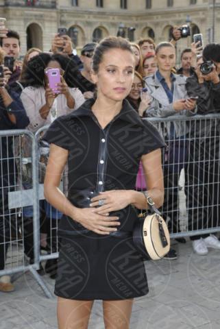 Alicia Vikander - Parigi - 03-10-2017 - Parigi come Hollywood, sfilata di attori al Louis Vuitton Show