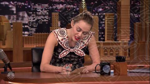 Miley Cyrus - New York - 05-10-2017 - Miley Cyrus piange per Hillary Clinton e le chiede un abbraccio