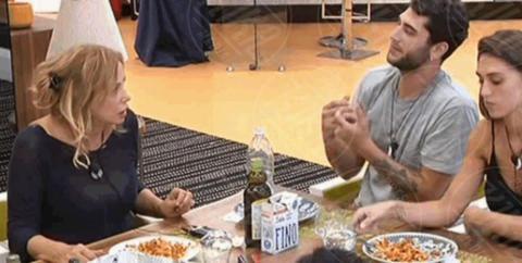 Jeremias Rodriguez, Simona Izzo, Cecilia Rodriguez - 07-10-2017 - Gf Vip 2, il bacio saffico imperdibile tra Belen e Ilary Blasi