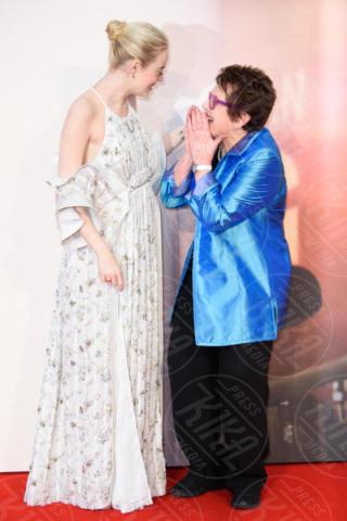 Emma Stone, Billie Jean King - Londra - 07-10-2017 - Emma Stone, che ridere alla première de La Battaglia dei Sessi!
