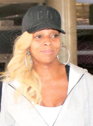 Mary J. Blige - LAX - 06-10-2017 - Prima e dopo: il miracolo del make up!