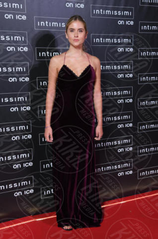 Valentina Ferragni - Verona - 10-02-2015 - Intimissimi on Ice, Irina Shayk stella in verde sul red carpet