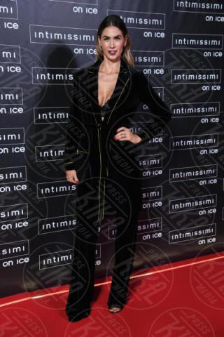Melissa Satta - Verona - 10-02-2015 - Intimissimi on Ice, Irina Shayk stella in verde sul red carpet