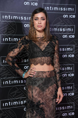 Ludovica Frasca - Verona - 10-02-2015 - Intimissimi on Ice, Irina Shayk stella in verde sul red carpet