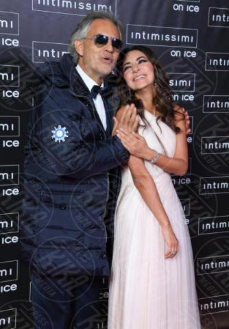 Veronica Berti, Andrea Bocelli - Verona - 10-02-2015 - Intimissimi on Ice, Irina Shayk stella in verde sul red carpet