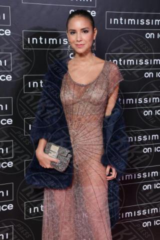 Verona - 10-02-2015 - Intimissimi on Ice, Irina Shayk stella in verde sul red carpet