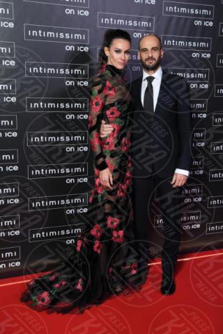 Paola Turani - Verona - 10-02-2015 - Intimissimi on Ice, Irina Shayk stella in verde sul red carpet
