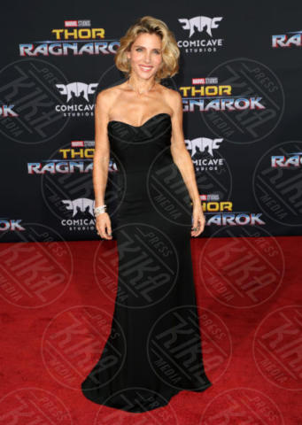 Elsa Pataky - Los Angeles - 11-10-2017 - Chris Hemsworth, per Thor: Ragnarok il red carpet è in coppia!