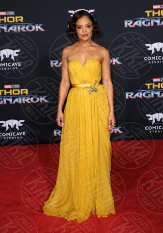 Tessa Thompson - Los Angeles - 11-10-2017 - Chris Hemsworth, per Thor: Ragnarok il red carpet è in coppia!