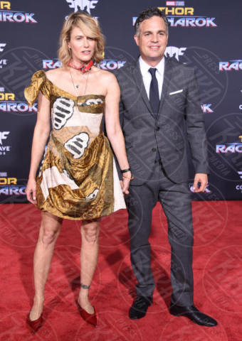 Sunrise Coigney, Mark Ruffalo - Hollywood - 10-10-2017 - Chris Hemsworth, per Thor: Ragnarok il red carpet è in coppia!