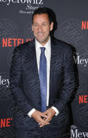 Adam Sandler - Hollywood - 11-10-2017 - Adam Sandler, tranquillo: alla cravatta ci pensa Dustin Hoffman!