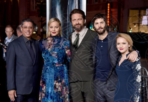 DEAN DEVLIN, Jim Sturgess, Abbie Cornish - Los Angeles - 16-10-2017 - Gerard Butler e Abbie Cornish scatenano una tempesta a Hollywood