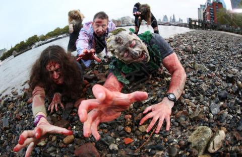The Walking dead cosplay - Londra - 23-10-2017 - Allarme Zombie: The walking Dead invadono Londra!