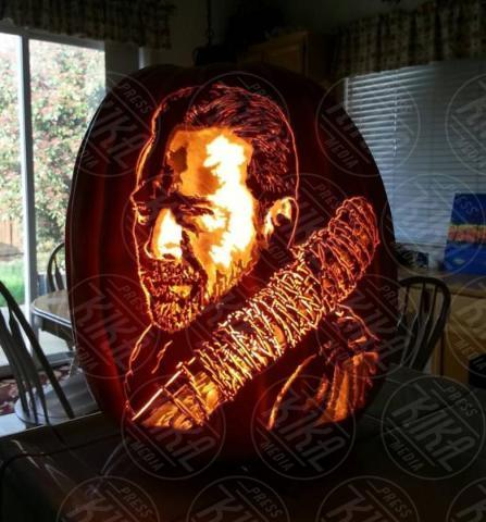 Alex Wer, Jeffrey Dean Morgan - 20-10-2017 - Alex Wer, il mago delle zucche intagliate di Halloween!