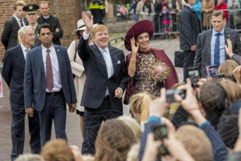Regina Maxima d'Olanda, Re Willem-Alexander d'Olanda - Amersfoort - 24-10-2017 - Maxima d'Olanda, meglio l'originale o il ritratto?