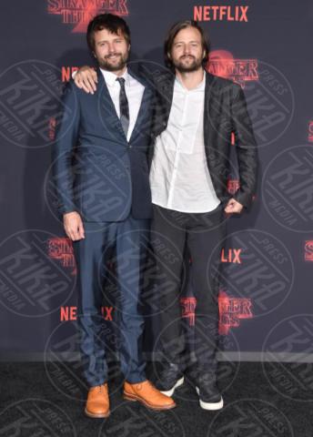 Ross Duffer, Matt Duffer - Westwood - 27-10-2017 - Stranger Things, la 15enne Sadie Sink costretta a dare un bacio