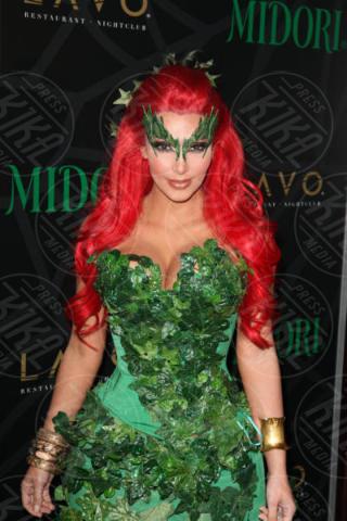 Kim Kardashian - New York - 29-10-2011 - Chi lo indossa meglio ad Halloween? Rita Ora e Kim Kardashian
