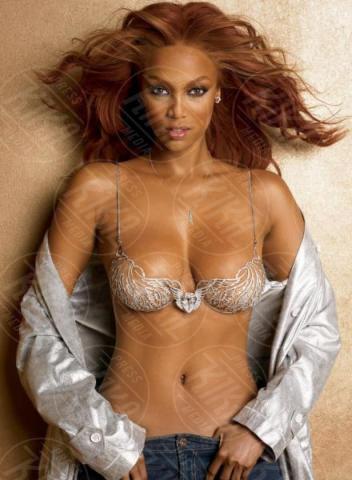 Tyra Banks - 14-10-2004 - Victoria's Secret Fantasy Bra: i reggiseni più costosi