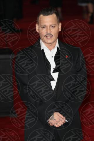 Johnny Depp - Londra - 02-11-2017 - Johnny Depp era completamente ubriaco sul red carpet