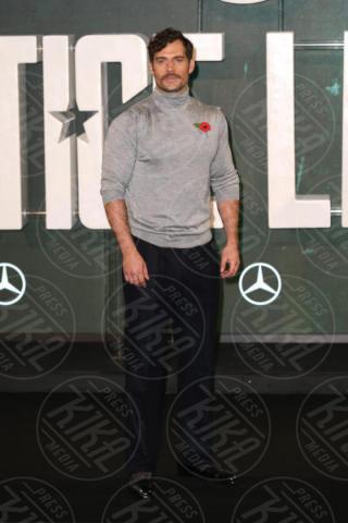 Henry Cavill - Londra - 04-11-2017 - Gal Gadot tutta baci: WW sensualissima per Justice League
