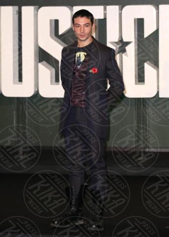 Ezra Miller - Londra - 04-11-2017 - Gal Gadot tutta baci: WW sensualissima per Justice League