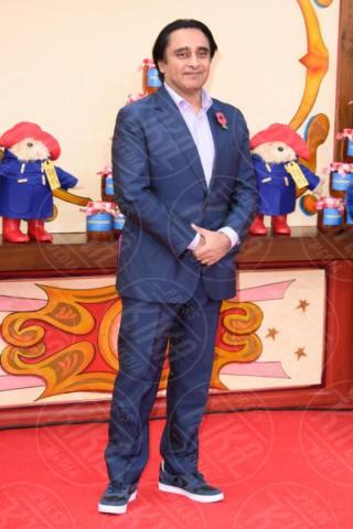 Sanjeev Bhaskar - Londra - 05-11-2017 - Hugh Grant sempre più vecchio: guarda che zampe di gallina!