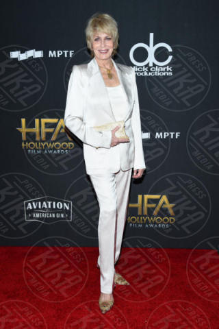Joanna Cassidy - Beverly Hills - 05-11-2017 - Angelina Jolie raggiante e bellissima agli Hollywood Film Awards