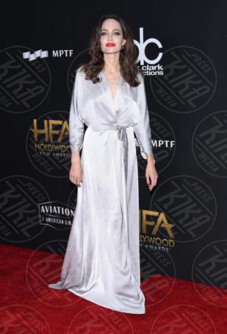 Angelina Jolie - Beverly Hills - 05-11-2017 - Angelina Jolie raggiante e bellissima agli Hollywood Film Awards