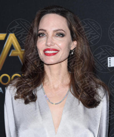 Angelina Jolie - Beverly Hills - 05-11-2017 - Angelina Jolie raggiante e bellissima agli Hollywood Film Awards