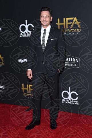 James Franco - Beverly Hills - 05-11-2017 - Angelina Jolie raggiante e bellissima agli Hollywood Film Awards