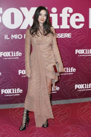 Giulia Valentina - Milano - 07-11-2017 - Martina Colombari ci dà un taglio alla Foxlife Night Out