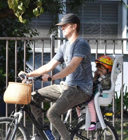 Briar Rose Christensen, Hayden Christensen - Brentwood - 07-11-2017 - Hayden Christensen, un mammo (ciclista) coi fiocchi