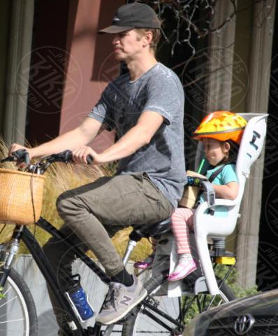 Briar Rose Christensen, Hayden Christensen - Los Angeles - 07-11-2017 - Hayden Christensen, un mammo (ciclista) coi fiocchi