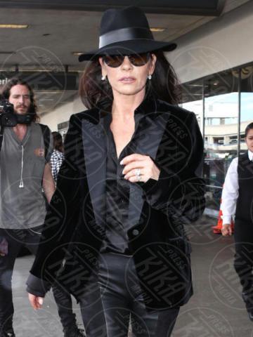 Catherine Zeta-Jones - Los Angeles - 08-11-2017 - Tutte le sfumature di nero di Catherine Zeta-Jones