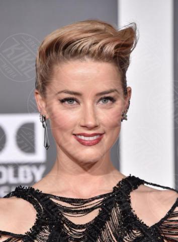 Amber Heard - Hollywood - 13-11-2017 - Amber Heard in Versace è il trionfo del vedo non vedo
