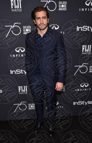 Jake Gyllenhaal - West Hollywood - 15-11-2017 - Jake Gyllenhaal sbarca su Instagram e con una notizia importante