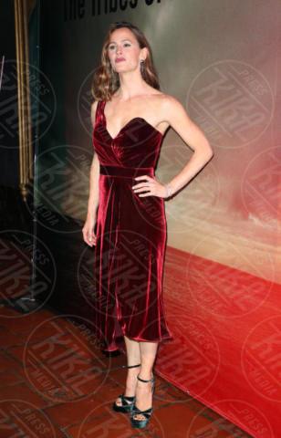 Jennifer Garner - Los Angeles - 18-11-2017 - Bella Thorne , per il compleanno un must: il velluto!