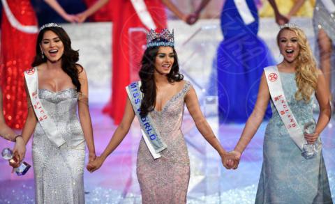 Stephanie Hill, Andrea Meza, Manushi Chhillar - 18-11-2017 - Ecco Manushi Chhillar, 20 anni, Miss Mondo 2017