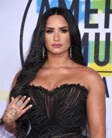 Demi Lovato - Los Angeles - 19-11-2017 - Frozen, Disney accusata di plagio per il brano Let it Go